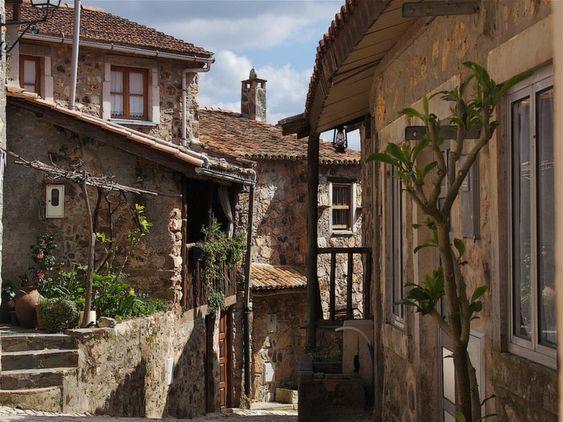 Casal de São Simão, concelho de Figueiró dos Vinhos, Portugal.