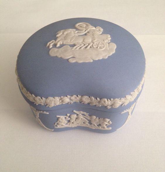 Vintage Wedgwood Jasperware Trinket Box with Lid, 1971, Kidney Bean Shape, Blue Unglazed Porcelain, White Raised Relief, Phaethon in Chariot