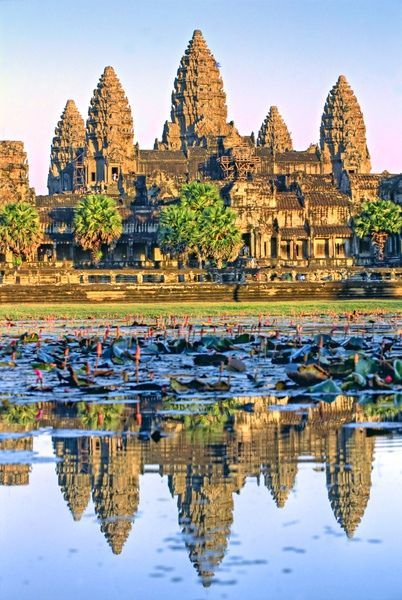 Love this place. It's huge and everything is so detailed. Angkor Wat - Cambogia by Eden Viaggi, via Flickr