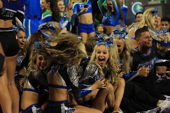 Awe Steel in the background so happy for Cheetahs
