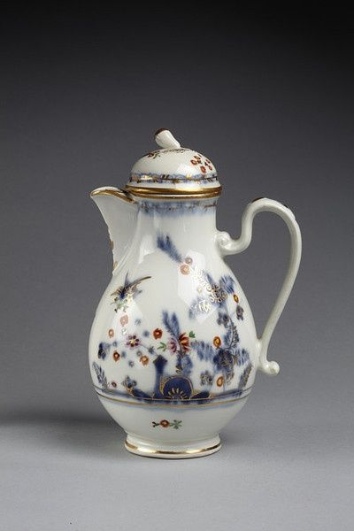 Coffee pot   Imperial Vienna Porcelain factory   Vienna 1803