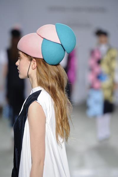 Pink/turquoise combination for Miyabi Kimura fashion show