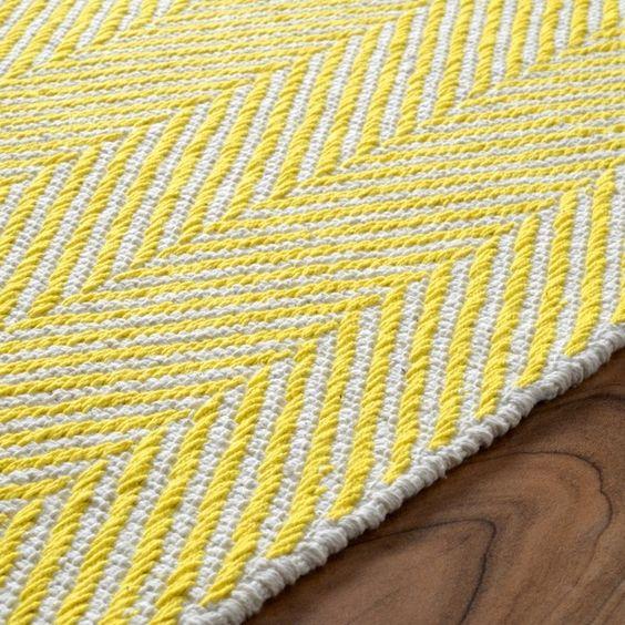 nuLOOM Handmade Flatweave Herringbone Chevron Yellow Cotton Rug (5' x 8')