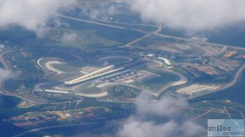 Formel1 Kurs von Sepang (Großer Preis von Malaysia) aus dem Flugzeug - Check more at http://www.miles-around.de/trip-reports/economy-class/malaysian-airlines-boeing-737-800-economy-class-langkawi-nach-kuala-lumpur/,  #AirAsia #Airbus #Airport #avgeek #Aviation #Boeing #EconomyClass #Flughafen #KUL #LGK #MalaysianAirlines #Reisebericht #Trip-Report
