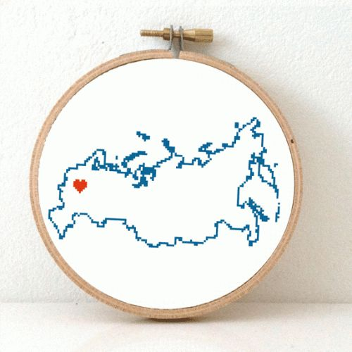 This modern cross stitch pattern features a map of Russia, with a heart for the capital: Moscow. Create an original wedding gift for a traveler or make as home decoration. Eur 4,95 at www.studio-koekoek.com