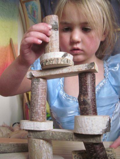 Des morceaux de bois assez lisses pour jouer à l'infini: