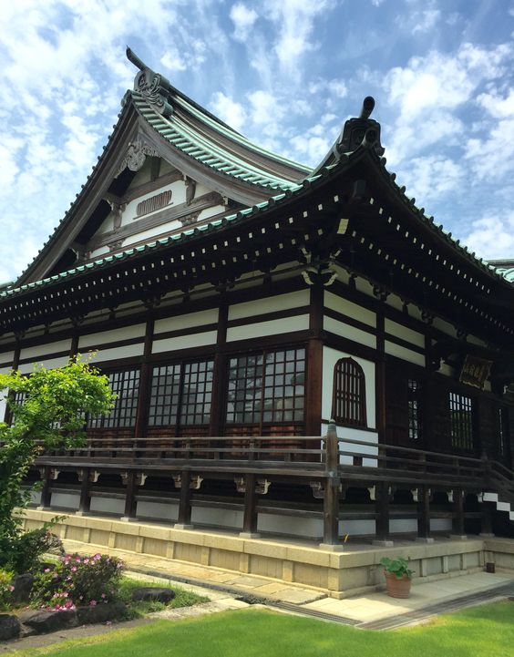 The main building of Saimyu-ji temple ( in Japanese 西明寺の本堂 ) in Kawasaki City, Japan
