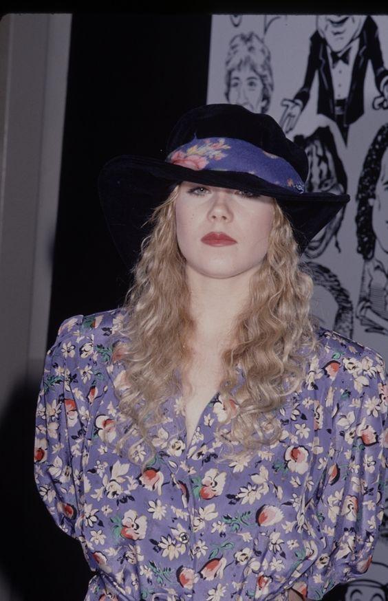 Christina Applegate, 1990s