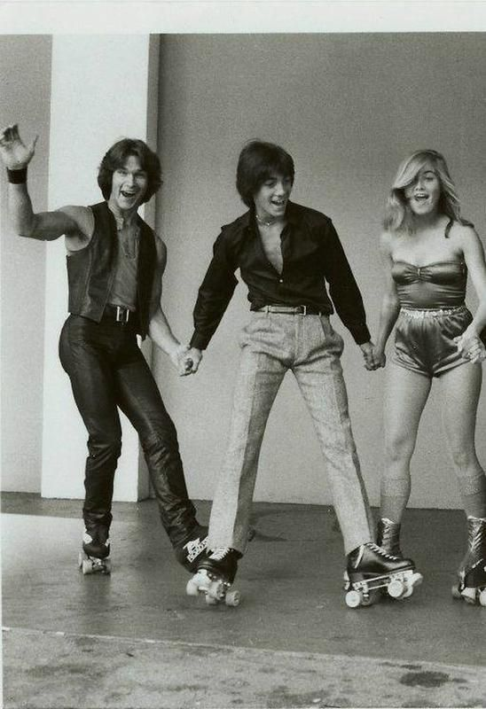 61 Groovy Photos That Captured More Than Expected Groovy History Roller Skating Outfits Roller Disco Disco Outfit