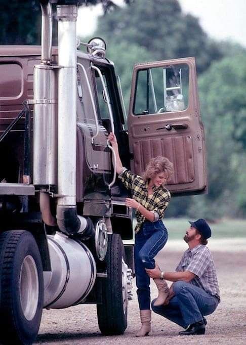 The Dirty Old Trucker : dirty, trucker, Truck