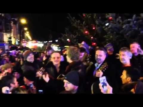 ▶ VIDEO : Bono from U2 singing at Grafton street - Christmas 2013 (Dublin) #u2NewsActualite #u2NewsActualitePinterest #u2 #bono #PaulHewson #video #2013