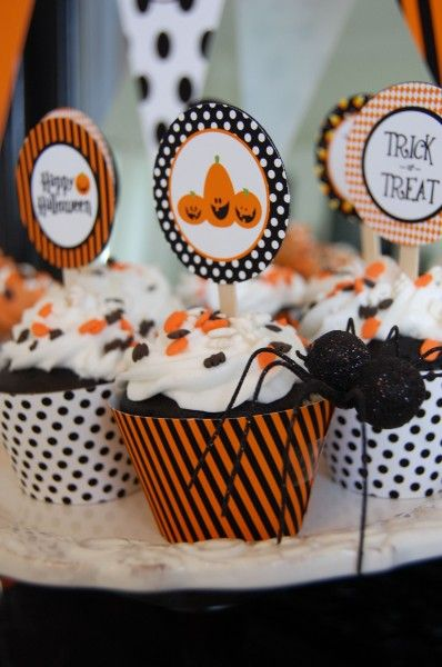 A Well-Crafted Party: Friday Finds: Last Minute Halloween Party Decor