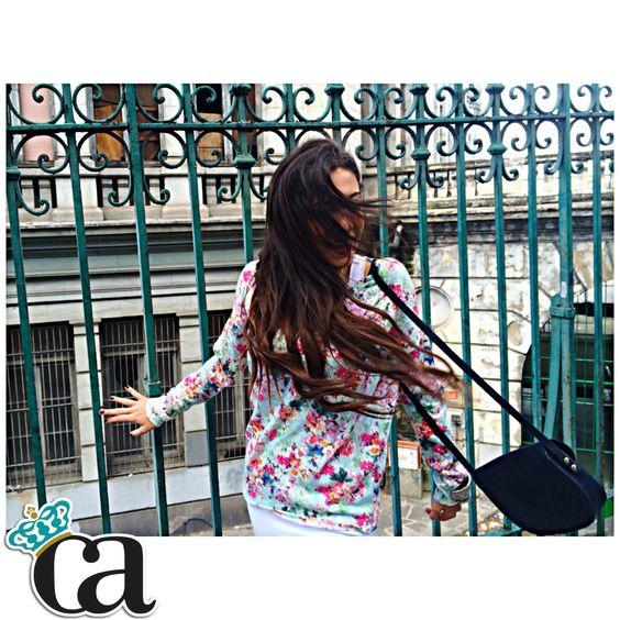 Habéis visto el #ArnyEstilismo para ella de @marthagCasado ? Todos los detalles de este nuevo STREET STYLE floral en CarlosArnelas.com/StreetStyle2 ✨✨ #elArmariodeArnelas #yaesprimavera #ArnyPrimavera #ArnyEstilismos #ArnyLooks #StreetStyle