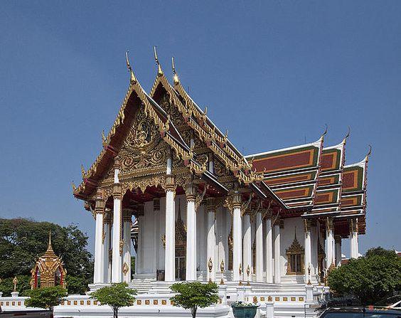 2010 Photograph, Wat Ratchaburana Ratchaworawiharn Ubosot, Wang Burapha Phirom, Phra Nakhon, Bangkok, Thailand. © 2012.  ภาพถ่าย ๒๕๕๓ วัดราชบุรณราชาวรวิหารพระอุโบสถ วังบูรพาภิรมย์เขตพระนครกรุงเทพประเทศไทย