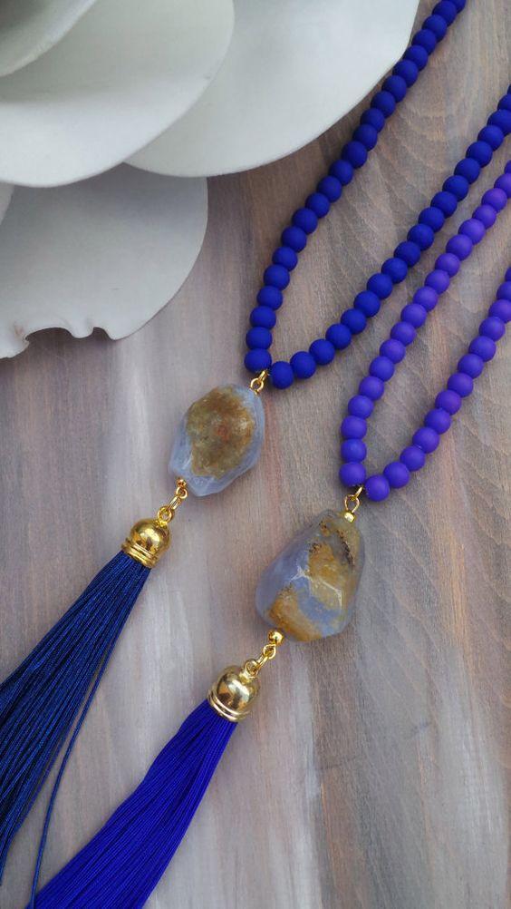 Collar borla larga azul cobalto con la por AllAboutEveCreations