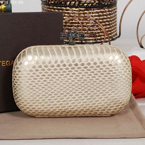 Bottega Veneta Outlet Online,Cheap Bottega Veneta Handbags Sale 2016 Bottega Veneta snakeskin V001 silver [BV-1603-10099] - Quality: Grade A+++++(7 Stars), Super Replica bags made of 100% Genuine Leather.It looks and feels the same with the original