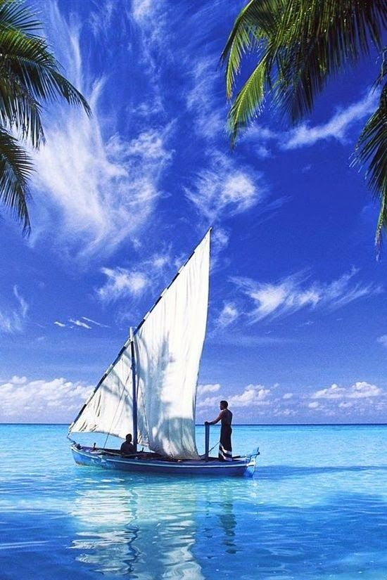 traditional sailing vessel in the Maldives: