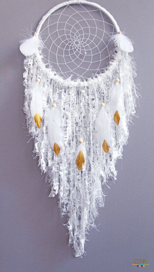 white handwoven dreamcatcher - so pretty: