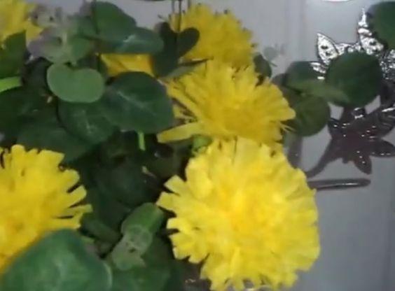 Aula 10 - Como fazer arranjos de flores de papel crepom (Cravos) - Artes...