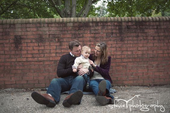 crazy about outdoor family photos in jeans