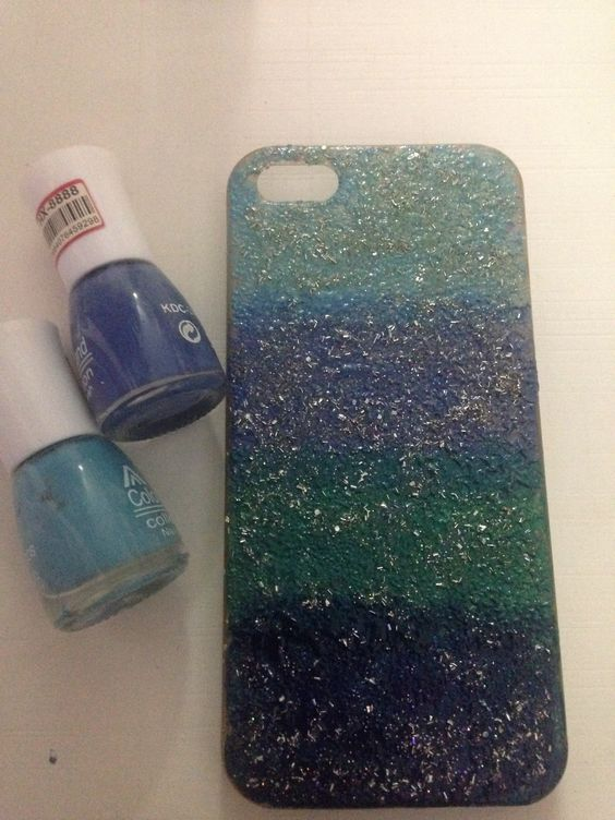 PhoneCase Decor with nailpolish <3