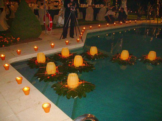 decoracion con velas para la piscina organizando bodas