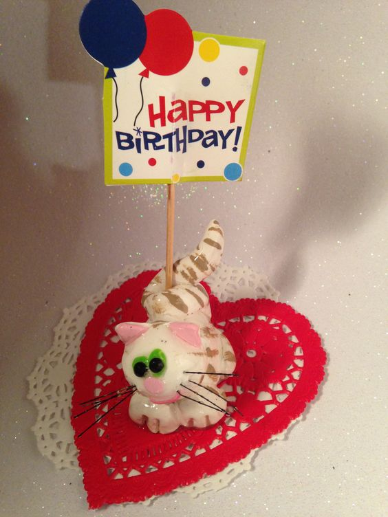 #cute #animal #kitty #cat Cake #caketopper #birthday #congrats #special #occasion #celebrate #celebration #loveyou #newbaby #newhome