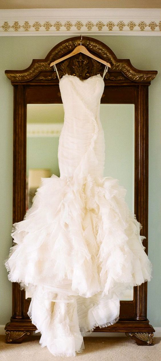 Best ideas about mermaid style wedding dress ruffle for Mermaid wedding dresses with feather bottom