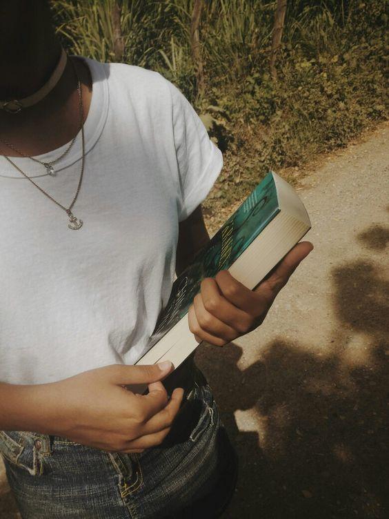 Cuenta de bookstagram. Reseñas. Booktags. KDramas. Posts relacionados a libros