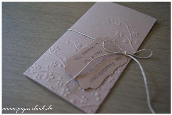 Alle Tränen dieser Welt sollten Freudentränen sein ...   Die Hüllen sind aus Kartonpapier (Cappuccino), geprägt mit Blütenranken & mit einem Band versehen, an dem das Etikett befestigt wird. Das...