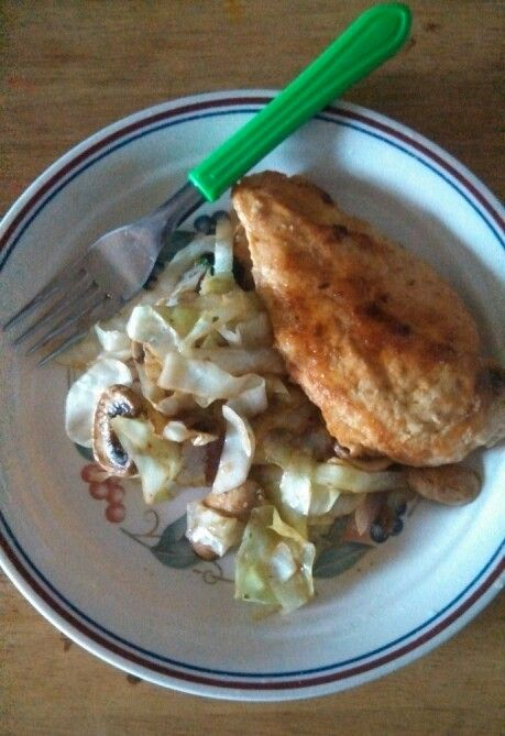 Cabbage, mushrooms, spinach, onions in teriyaki sauce and buttered chicken
