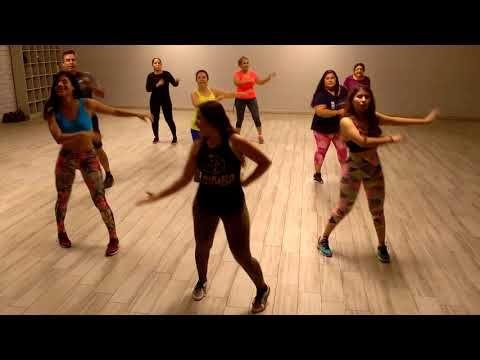 Tiene Espinas El Rosal Feat Jenny And Mexicats Zumba Con Maida Yosoyfelizbailando Youtube Music Artists Zumba Youtube