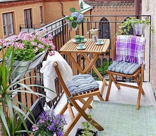 Como Decorar La Terraza Con Poco Dinero Diseno De Balcon Balcon Pequeno Balcon Decoracion