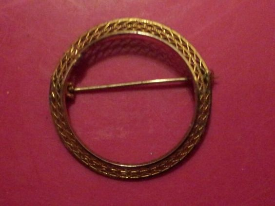 Antique Stamped 14KGF Circle Pin *SHIP'N REQ'D