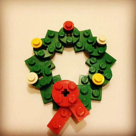 LEGO mini wreath by sixf00t4, via Flickr Kids Things Pinterest