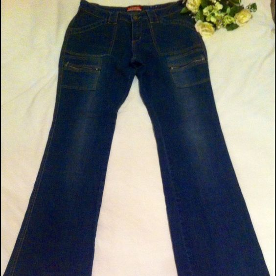 1980s Vintage Jeans Beautiful Jeans. Great condition. Dark Wash. 4 front pockets, 2 with zippers. Stretch material, body forming pants, very comfortable. Unionbay Jeans