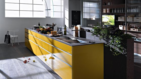 Fitted kitchens   Kitchen systems   Artematica Vitrum I Giallo. Check it out on Architonic