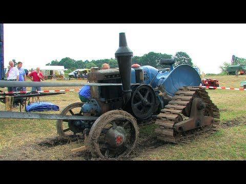 Dreschen mit dem Lanz Bulldog - Tractor start, run and threshing - YouTube