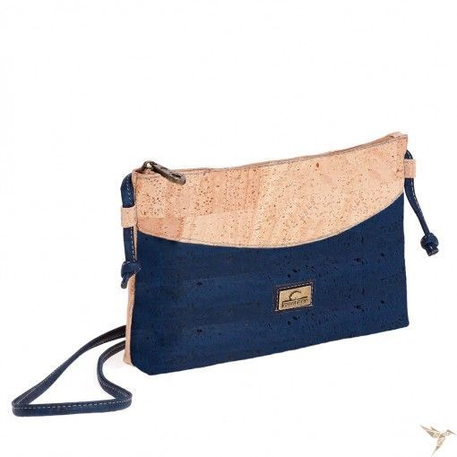 nachhaltige Handtasche Kork (blau) von MONTADO Eine