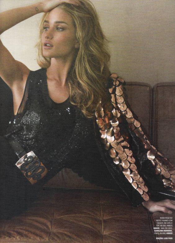 rosie huntington-whiteley by henrique gendre for vogue brazil april 2012
