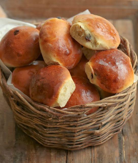 On dine chez Nanou | Brioches au chocolat pour le matin de Noel   |             Le petit déjeuner de Noël se doit aussi d'être festif ,différent des autres matins d...