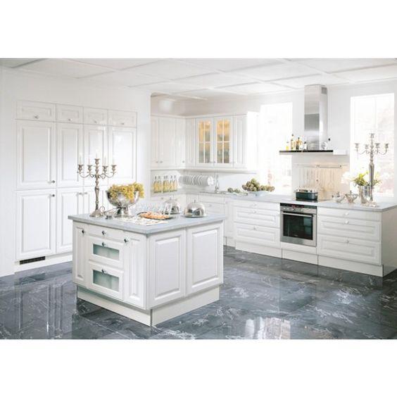 Diese Einbauküche ist so individuell und charmant wie Sie selbst! Denn diese Küche wird nach Ihren Wünschen geplant und angefertigt.Zuverlässigkeit, Nachhaltigkeit und Umweltfreundlichkeit sind Standard für NOLTE Küchen.So erhalten Sie ein hochwertiges und optimales Küchenkonzept, das beste Qualität garantiert und nach Maß perfekt auf Ihre Bedürfnisse zugeschnitten wurde: Sie können Korpus und Arbeitsplatte aus diversen Alternativen auswählen und auch die Arbeitshöhe so bestimmen...