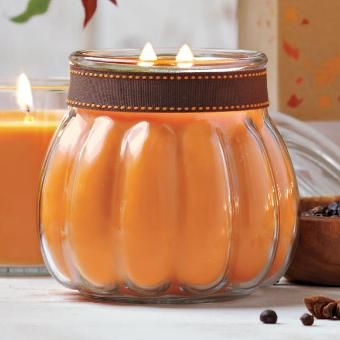 Das schöne Duftwachsglas Kürbis ist auf jeder Halloween-Party ein Hingucker ;-)