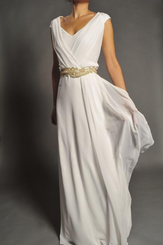 Vestido de novia estilo griego modelo 360 by Veneno en la piel   Boutique Clara. Tu tienda de vestidos de fiesta.
