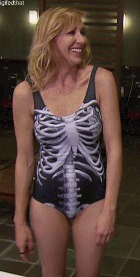 61768-Kari-Byron-swimsuit-laughing-g-VNtD.gif (274×540) | 101 REPIN | Pinterest | Kari byron ...