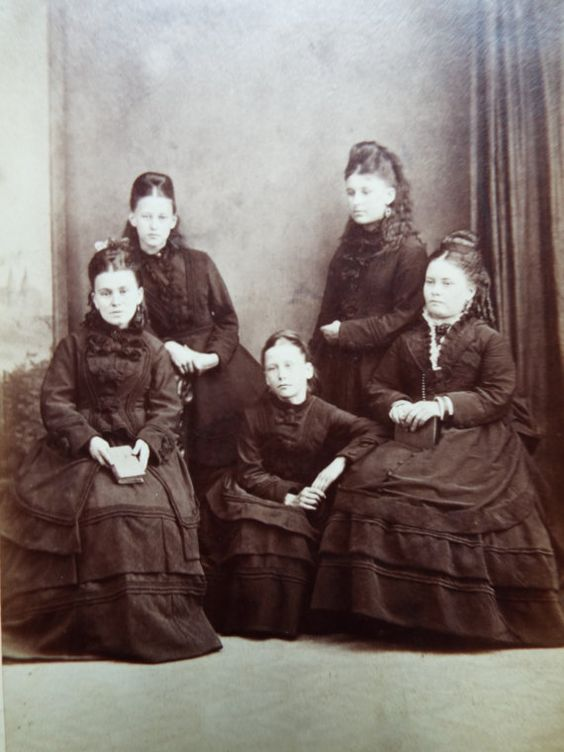 Antique 1800s Welsh Ponty Pridd Family Photo by FoxVintageUk