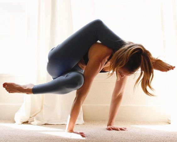 17 of the Most Impressive Yoga Poses on Instagram | SELF The best excercises to doing YOGA.