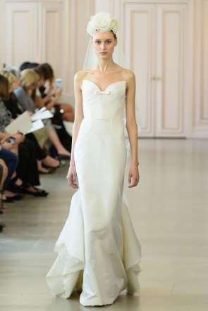 Peter Copping presenta su primera colección de novias como director creativo de Oscar de la Renta. - Getty Images