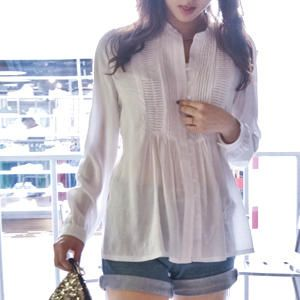 tenho uma paixão por blusas brancas