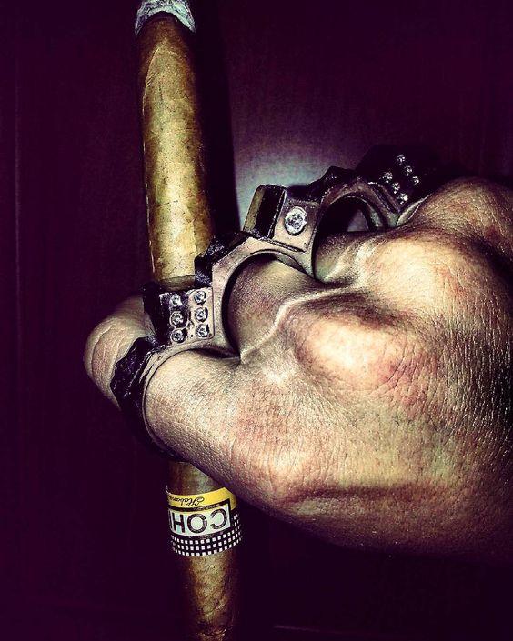 #izmir #night #istanbul #happy #fist #blow #punch #lifeisgood #cool #cigar #cigarporn #habana #cohiba #like #life #style #amazing #cuba #cubancigar by mahmutsener